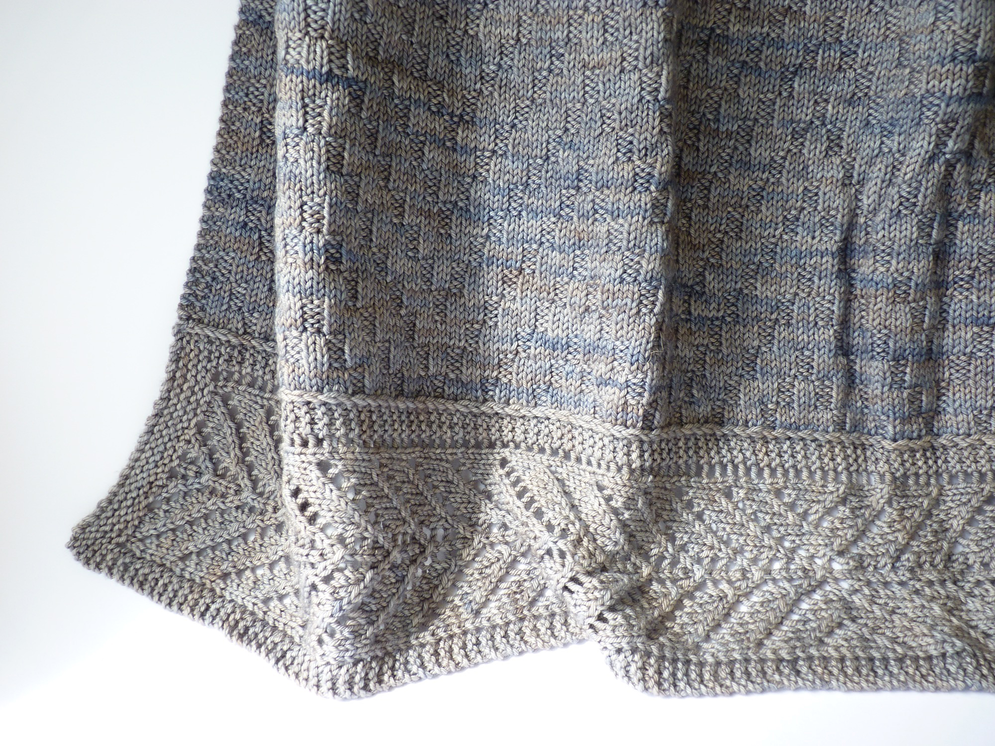I used some mismatched skeins of Pebble Beach for my Little Tern, but I really love the effect.