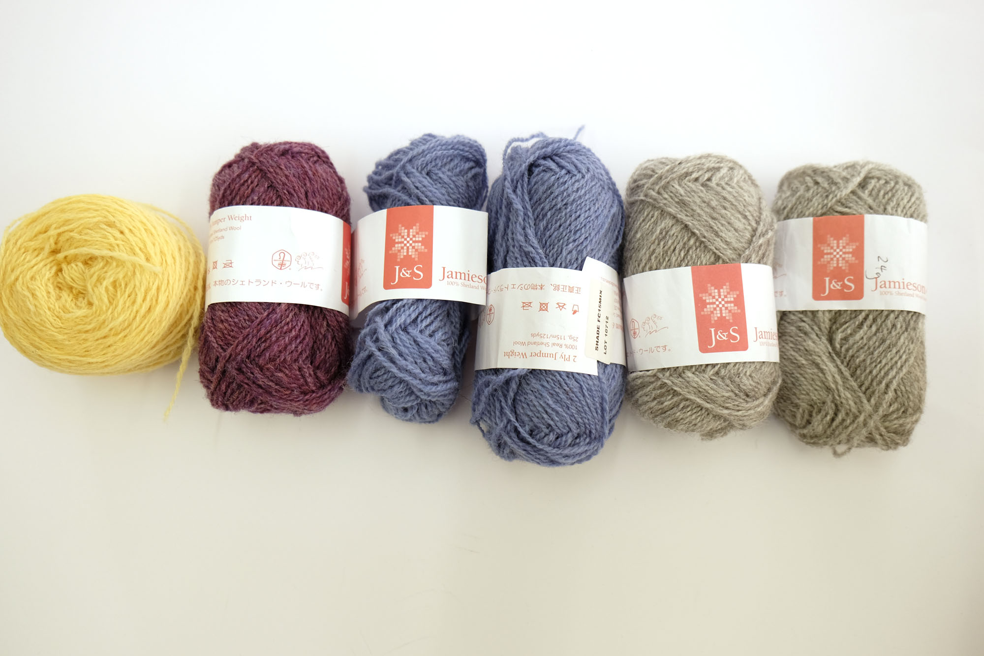 J&S Jumper Weight from left to right, shades 66, 133 mix, FC15 and 203