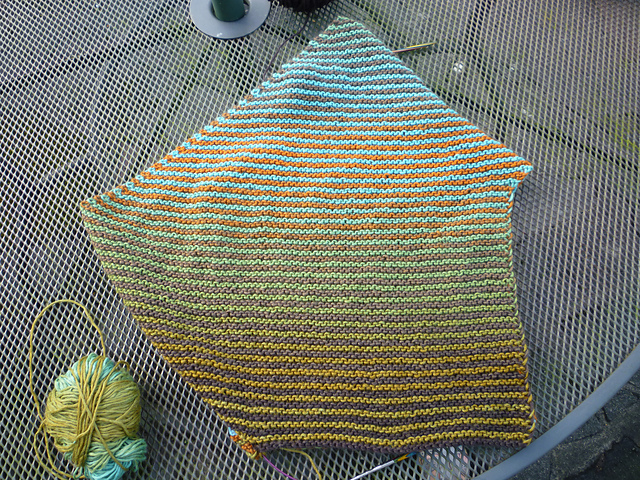 Anne ( amaknitter ) knit her Wood Warbler in shades 2202 and 2135. She actually knit the cowl twice after deciding she wanted her gradients to align in a different way — the gorgeous end result was worth the effort, I'd say!