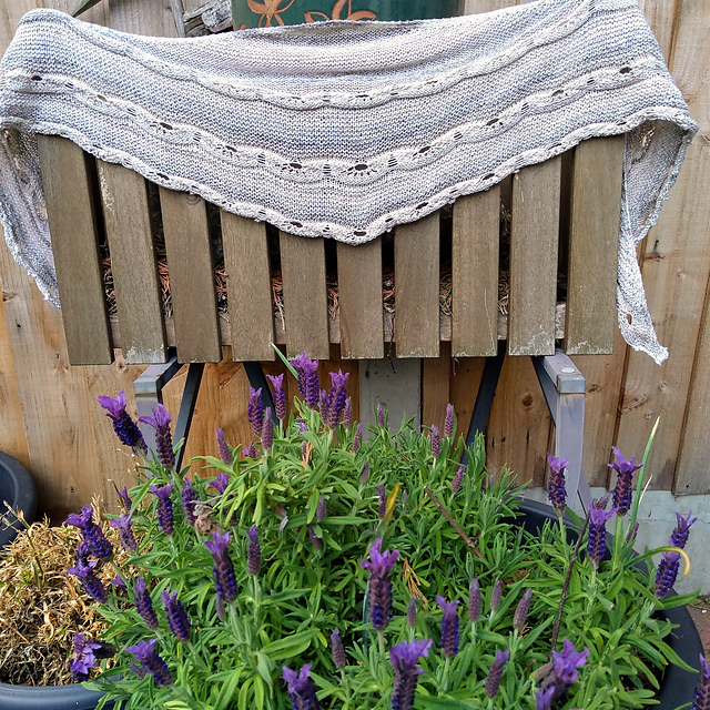 Maylin (blithespirit on Ravelry) knit a gorgeous laceweight cotton version of Joji Locatelli's  Odyssey Shawl