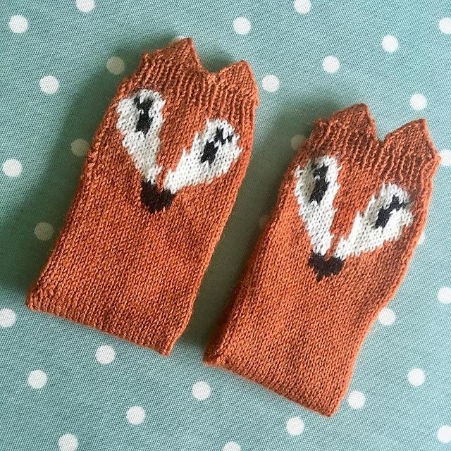 Purplepolkadots  Mini Fox Socks