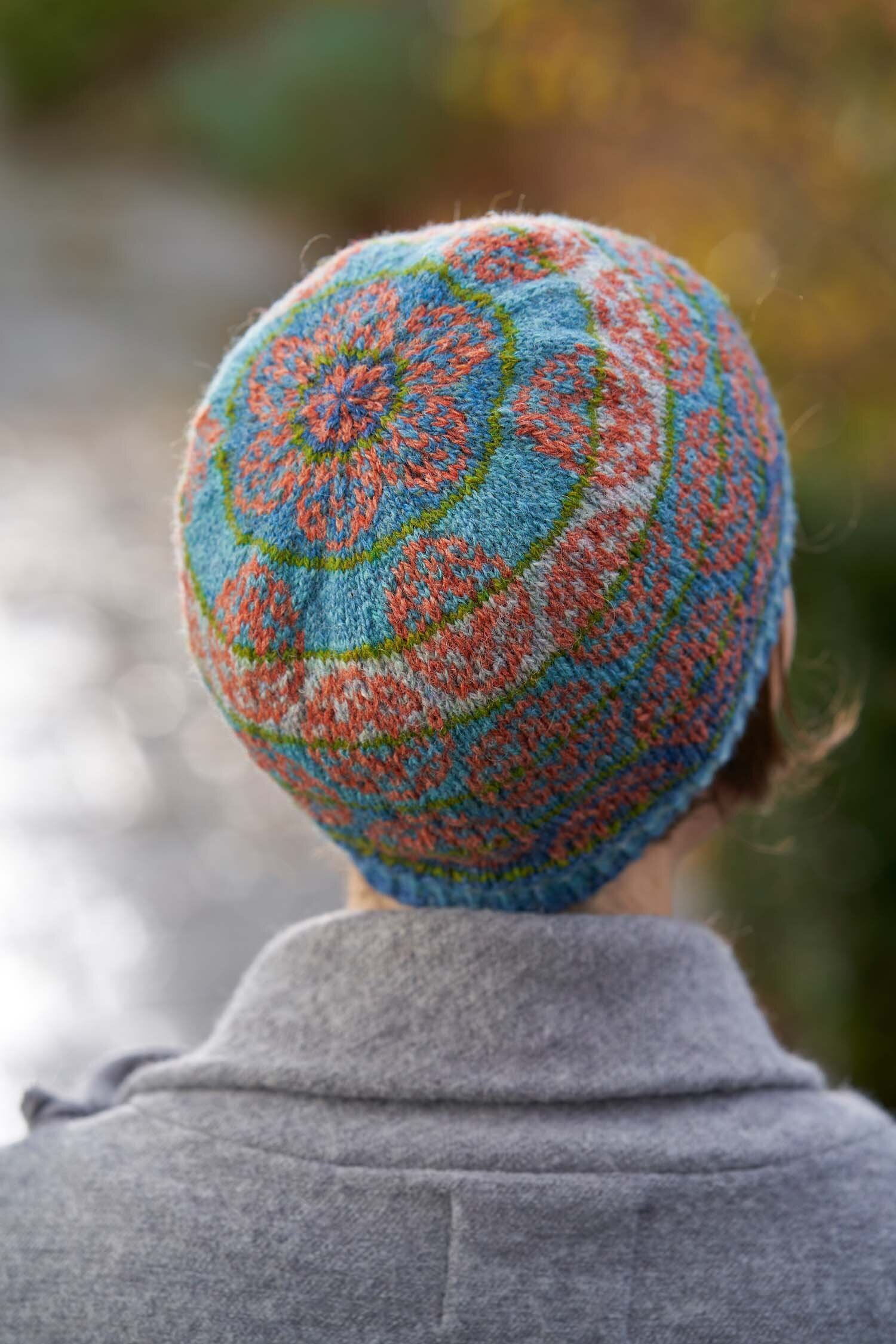 Look at those bubbles! The Marangoni Hat, by Tori Seierstad. Photo © Jesse Wild.