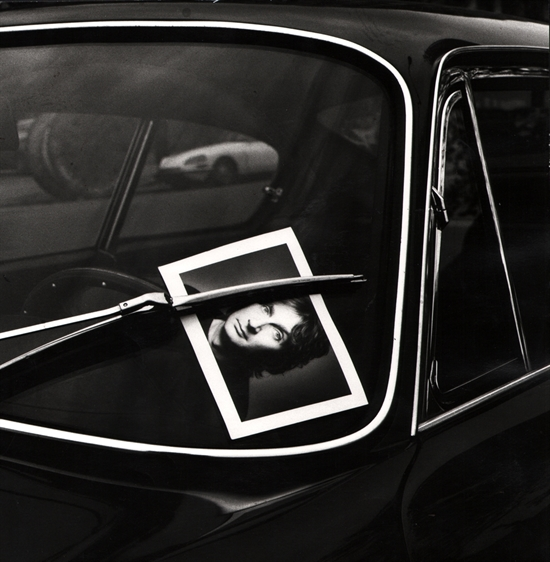 p.p1 {margin: 0.0px 0.0px 0.0px 0.0px; font: 12.0px Helvetica; color: #454545}   © The Estate of Jeanloup Sieff