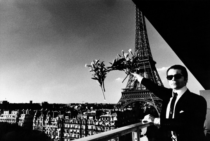 'Karl Lagerfeld, Paris, 1976' © The Helmut Newton Estate / Maconochie Photography