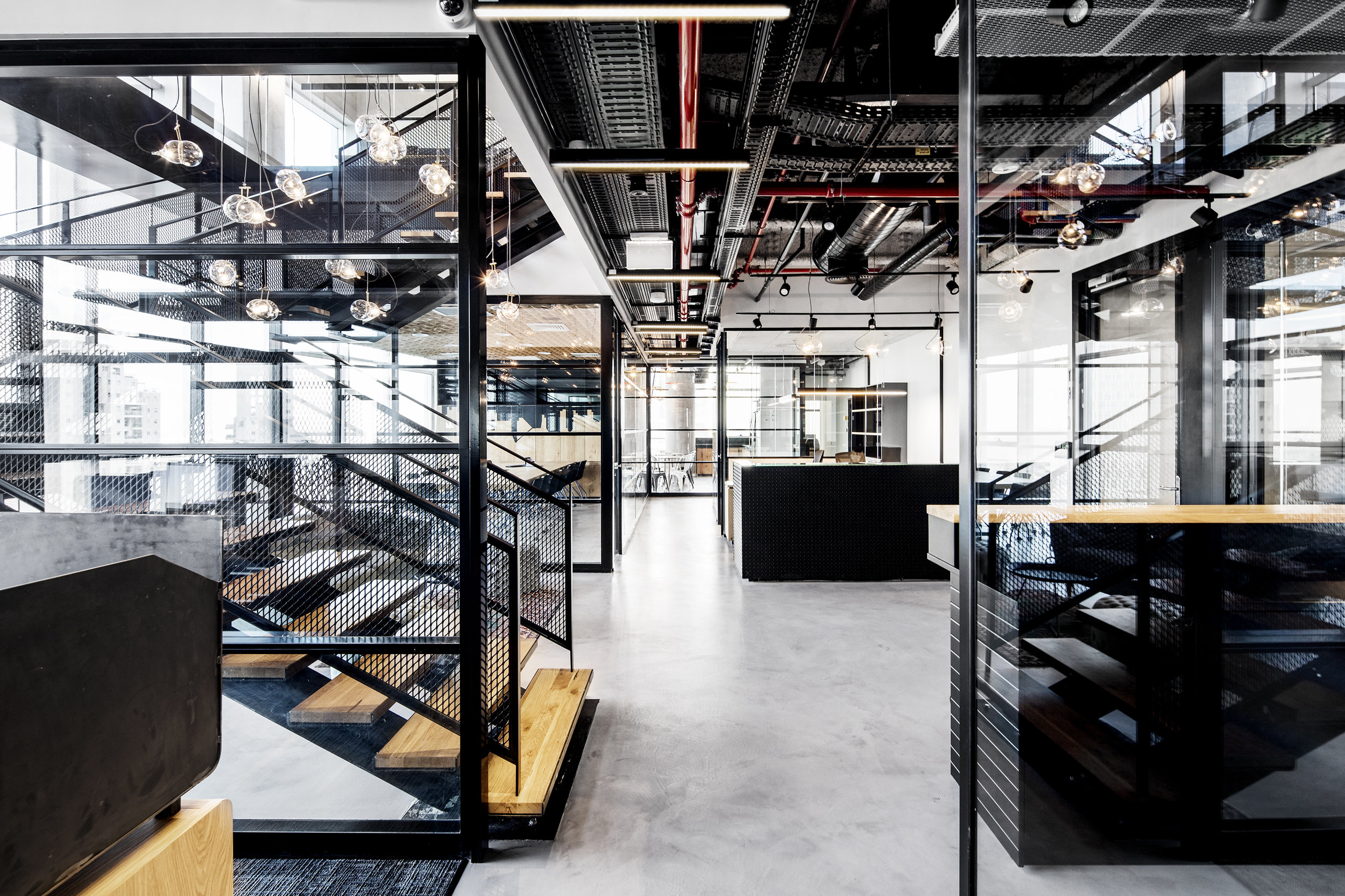 DATAMAP   The offices of Datamap group extend over the two premium floors of the V Towers (19,20) on the border of Bnei Brak and Ramat Gan. Roy David Studio was commissioned to design a modern industrial space ...