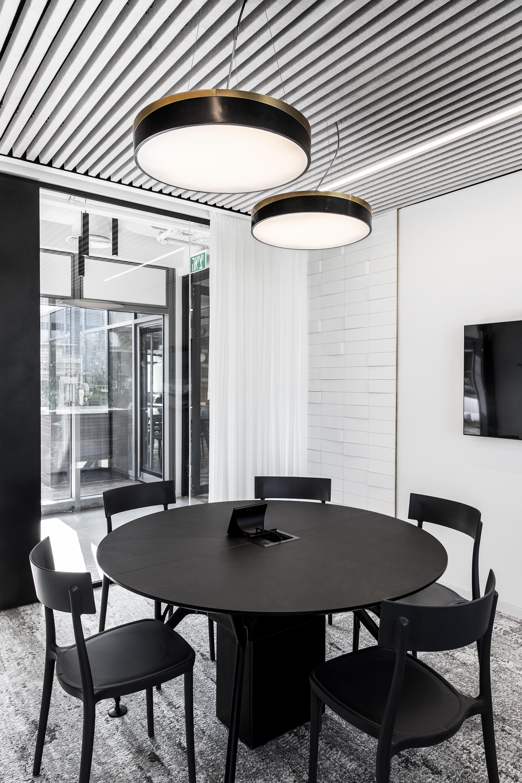 R2NET OFFICES - ROY DAVID ARCHITECTURE  STUDIO - רואי דוד אדריכלות סטודיו אדריכלים - אר2נט (4).jpg