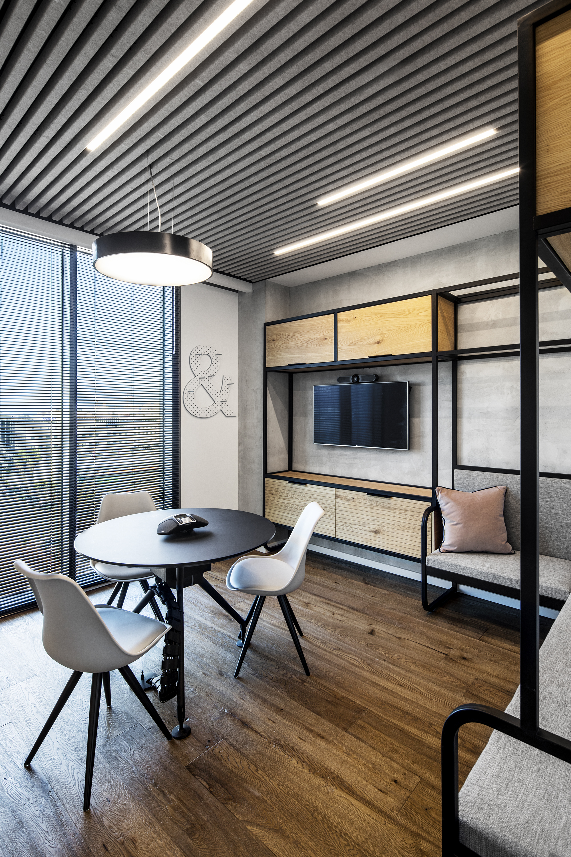 R2NET OFFICES - ROY DAVID ARCHITECTURE  STUDIO - רואי דוד אדריכלות סטודיו אדריכלים - אר2נט (8).jpg