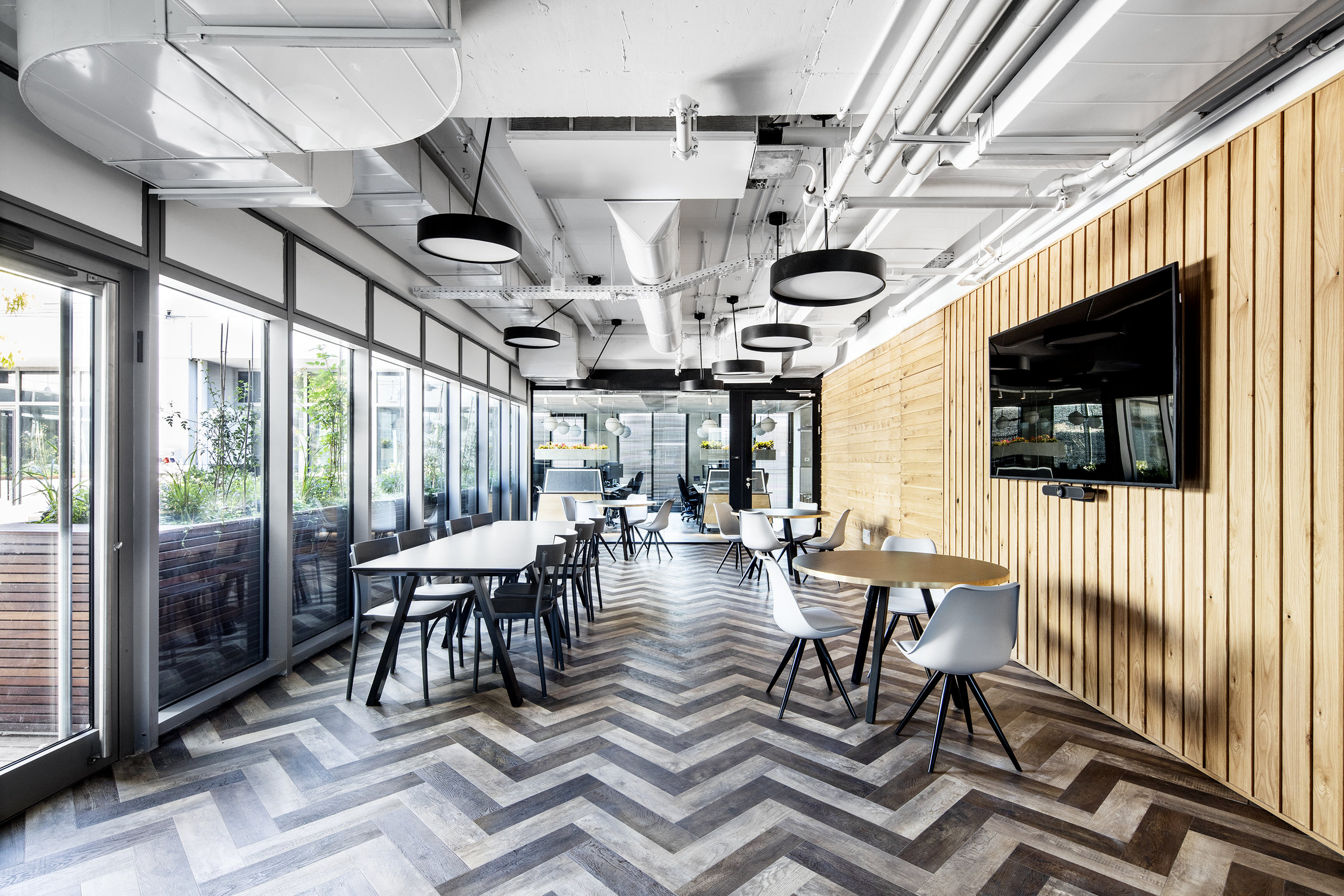 R2NET OFFICES - ROY DAVID ARCHITECTURE  STUDIO - רואי דוד אדריכלות סטודיו אדריכלים - אר2נט (23).jpg
