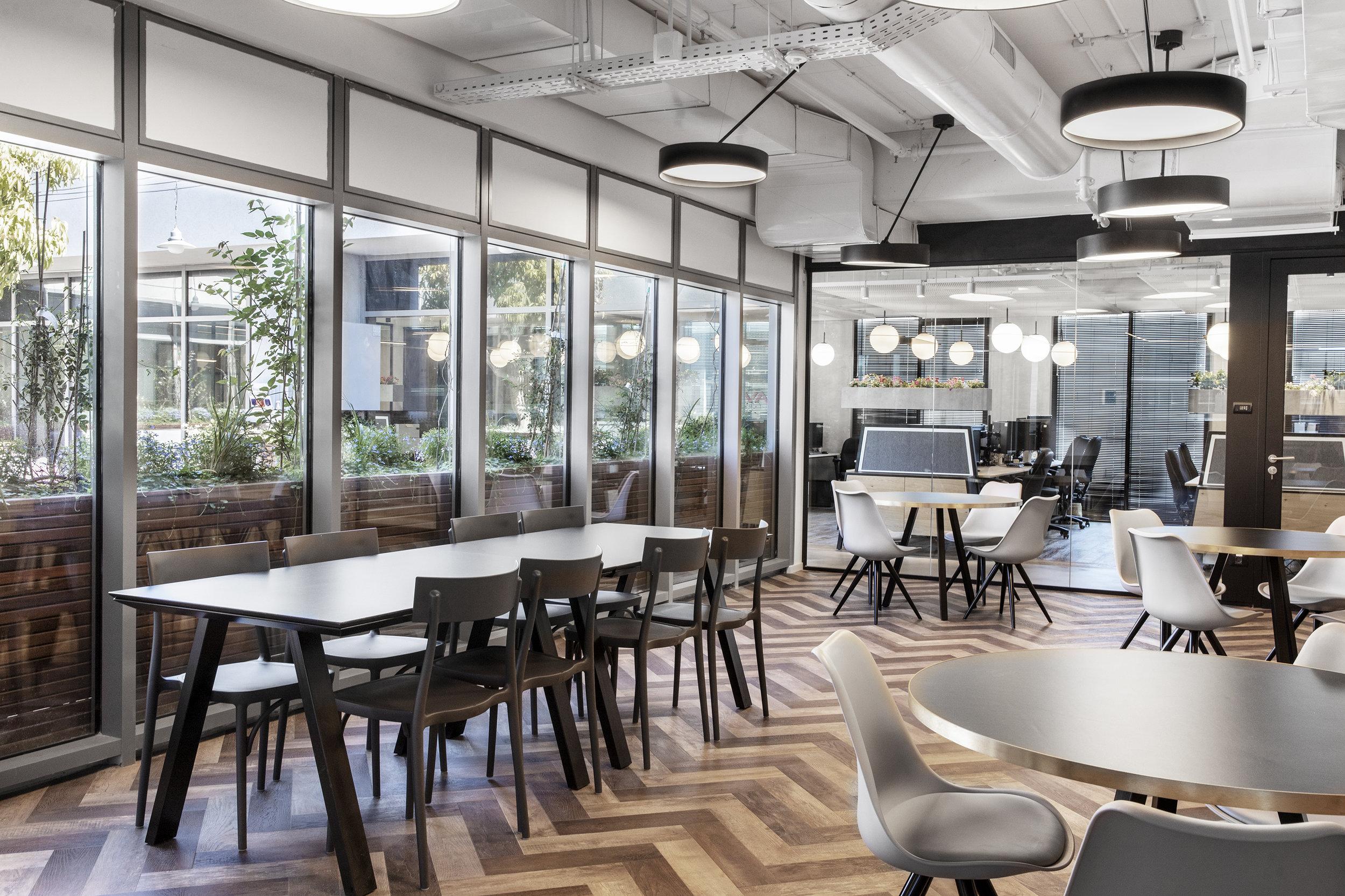 R2NET OFFICES - ROY DAVID ARCHITECTURE  STUDIO - רואי דוד אדריכלות סטודיו אדריכלים - אר2נט (24).jpg