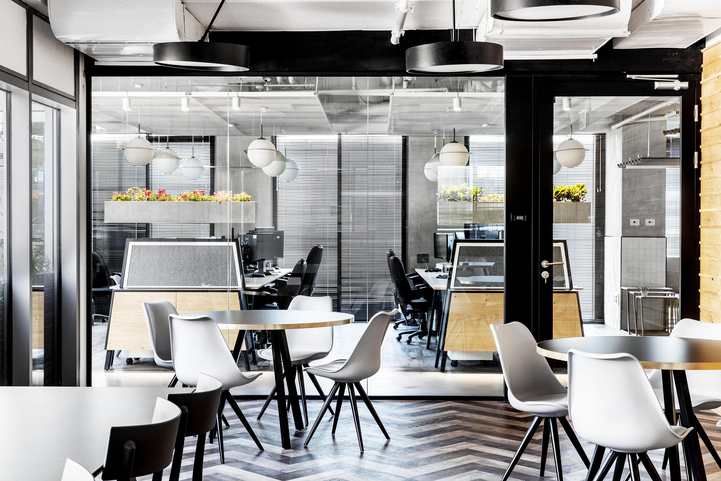 R2NET OFFICES - ROY DAVID ARCHITECTURE  STUDIO - רואי דוד אדריכלות סטודיו אדריכלים - אר2נט (25).jpg