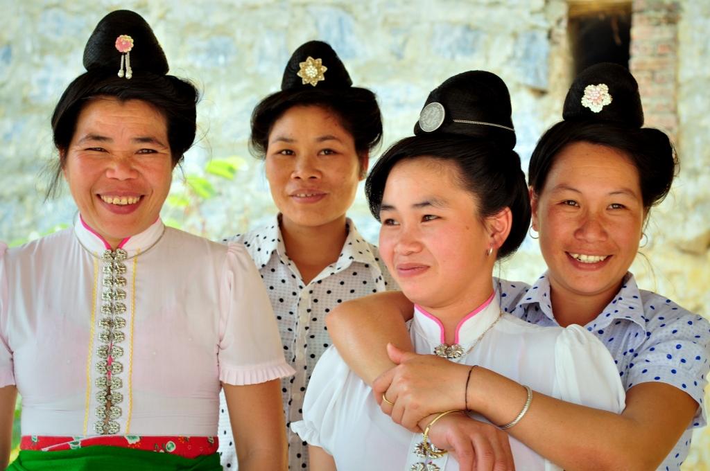 Anh Chị Em - Chương trình tín dụng vi mô - Dân tộc Thái ở Điện Biên
