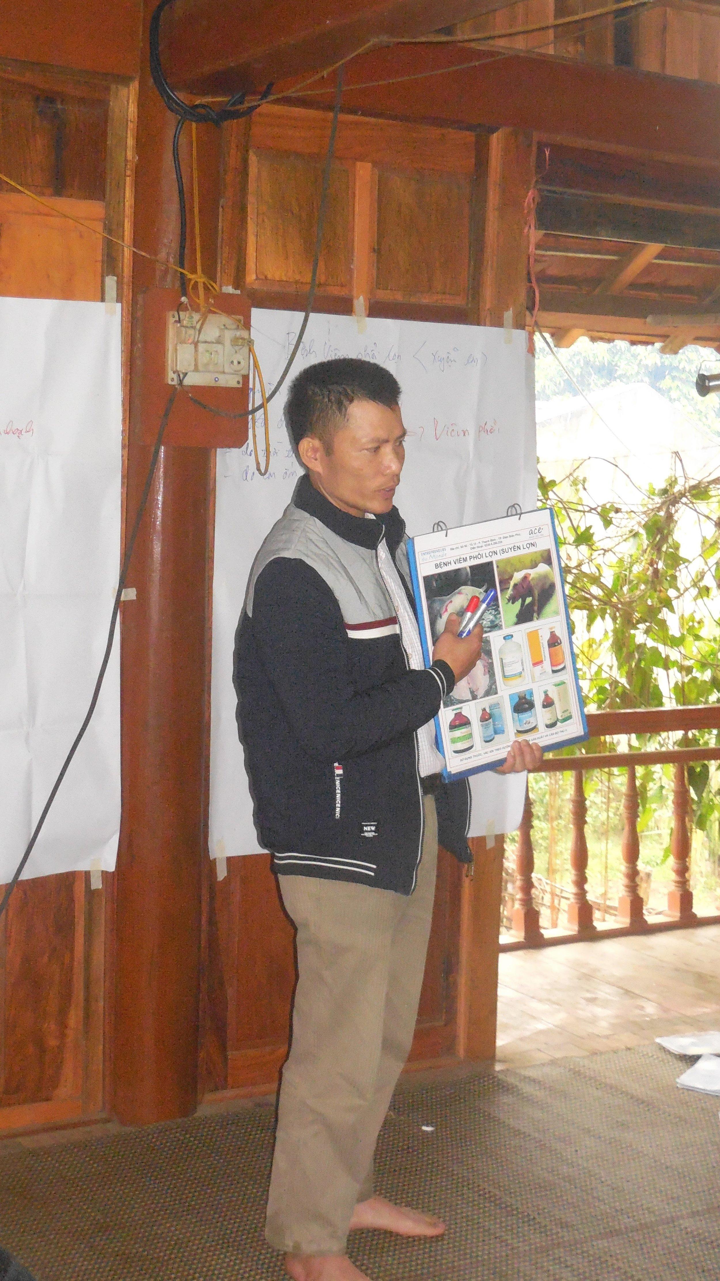 Anh Chị Em - Chương trình tín dụng vi mô - Lớp tập huấn về chăn nuôi an toàn