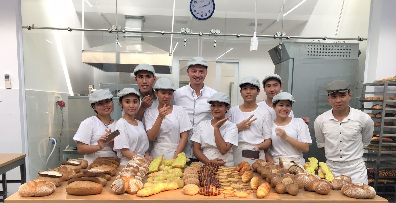 FVI - IECD Boulangerie francaise HCMV - French Bakery HCMC - Lò bánh mì Pháp HCM.jpg
