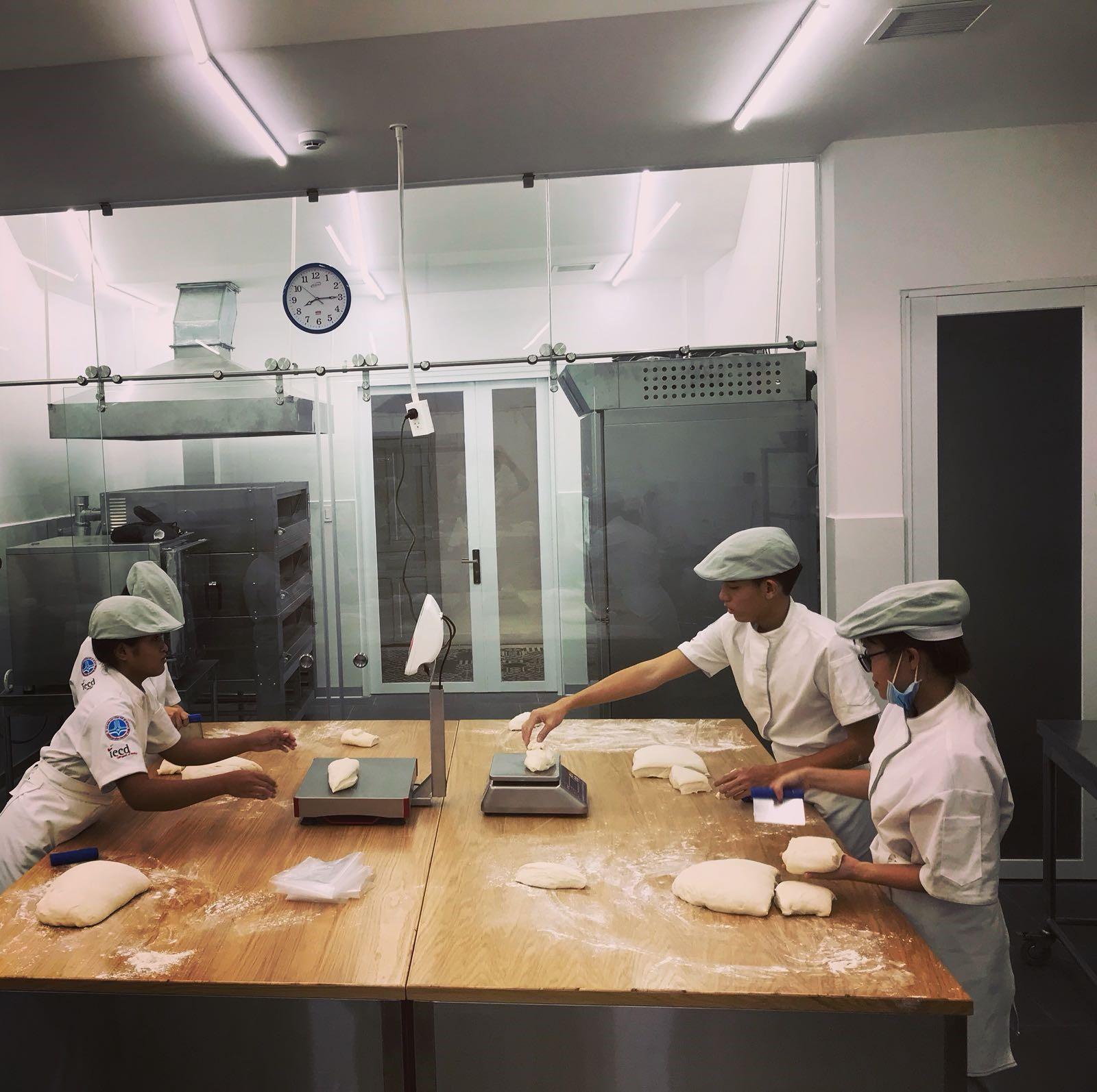 Students Baking Class.jpg