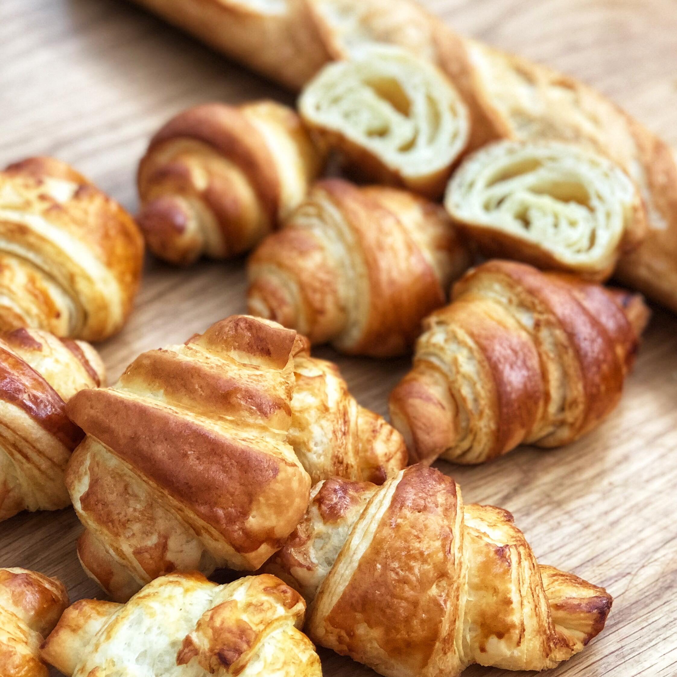 FVI - IECD - french bakery school - boulangerie francaise - lò bánh mì pháp - croissants.jpg