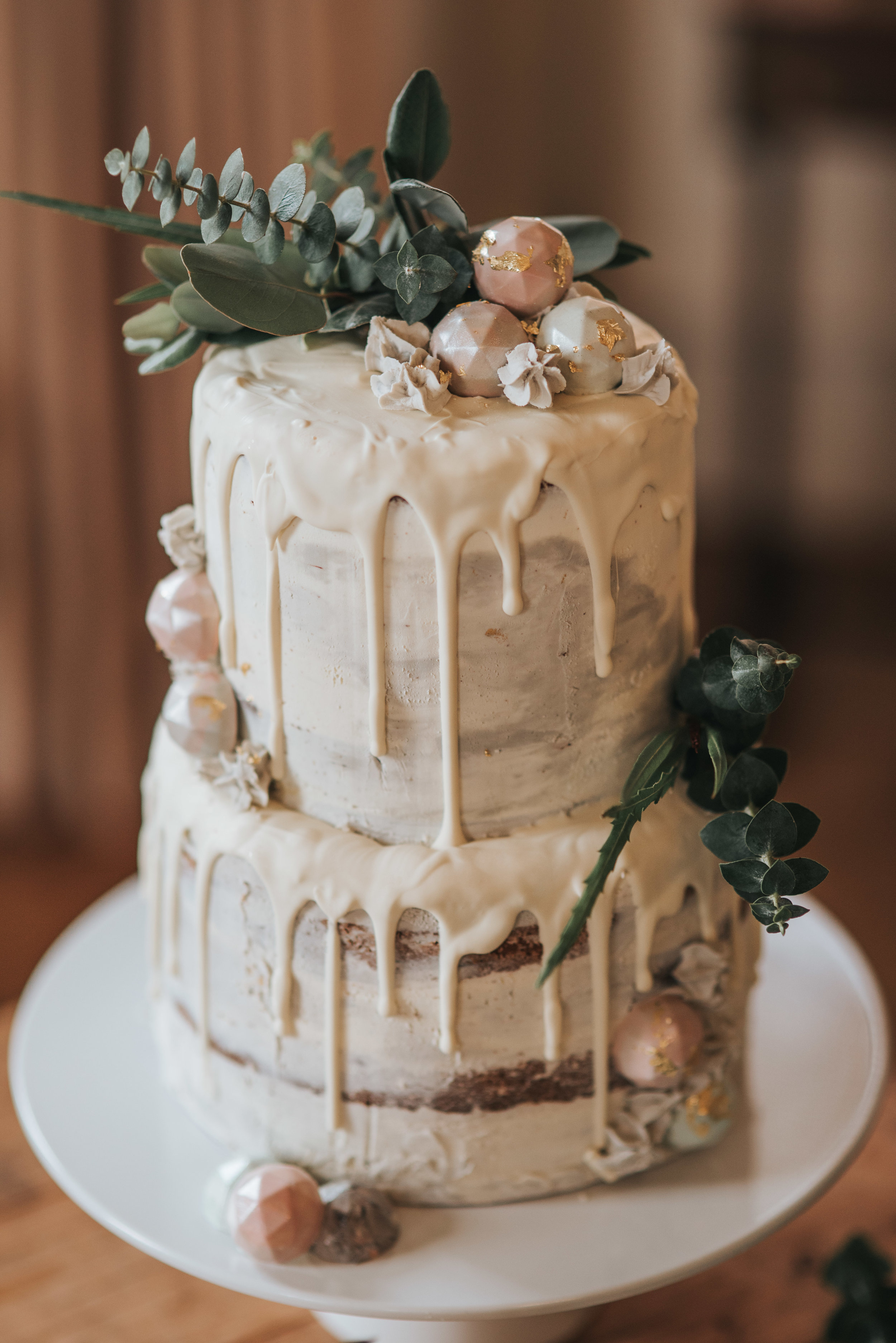 Sumptuous wedding cake with a fancy and delicate design that was loved by everyone concerned with the whole day.jpg