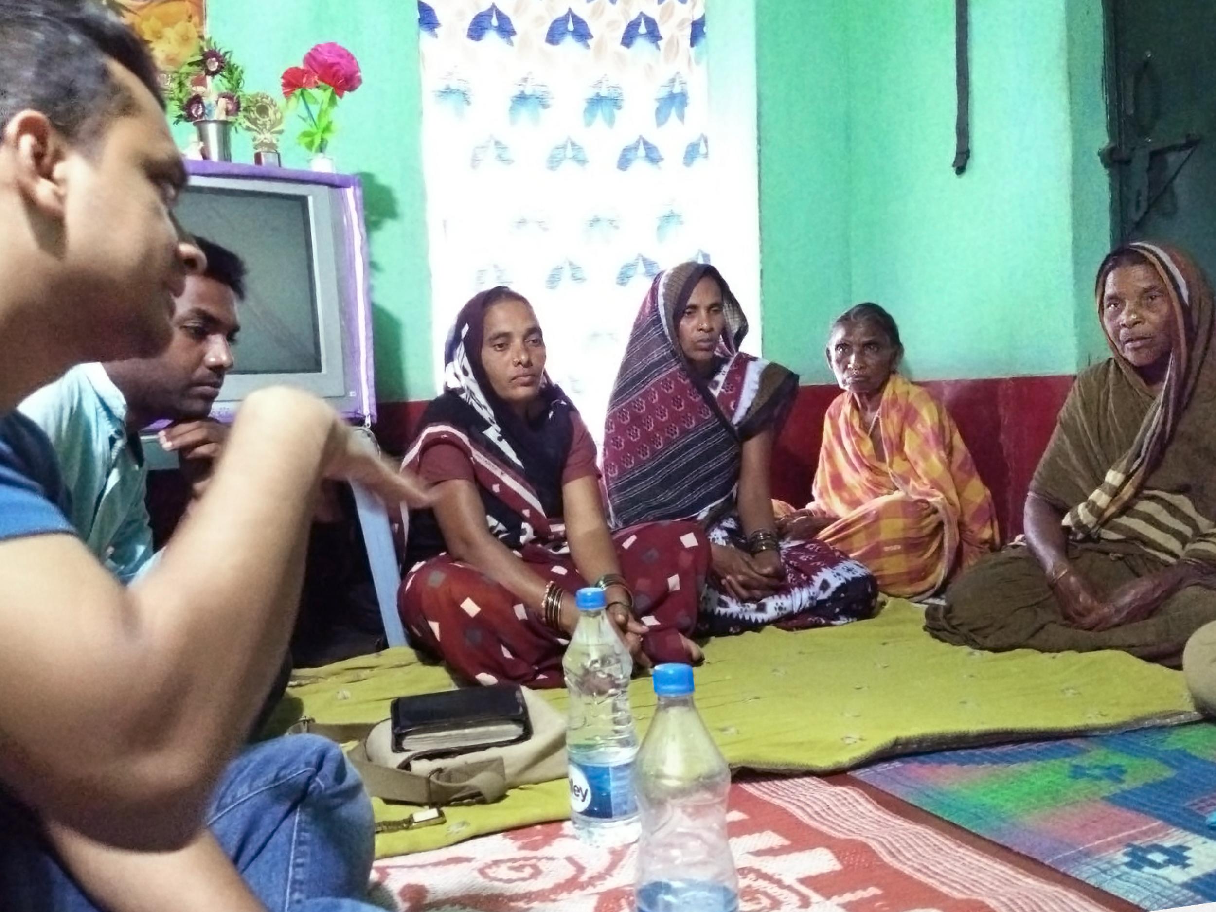 Indian-ladies-in-house-v2.jpg
