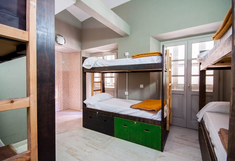 feel-hostels-soho-malaga-mlaga-001.jpg