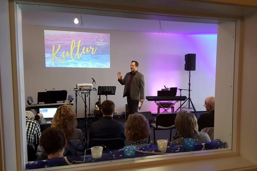 Achim Preaching