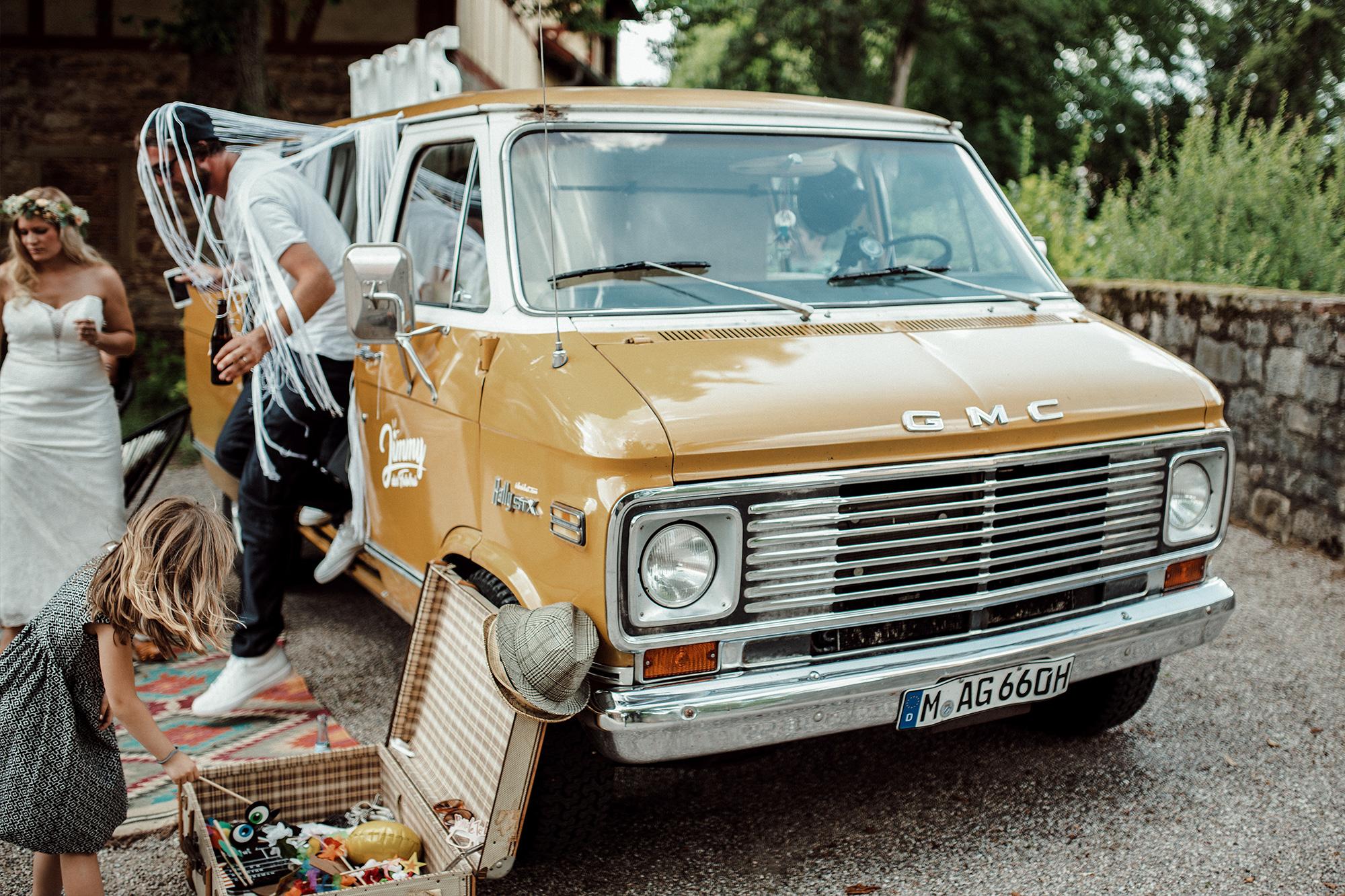 Fotobus Jimmy aus München vintage Surfer Bus mit Fotobox