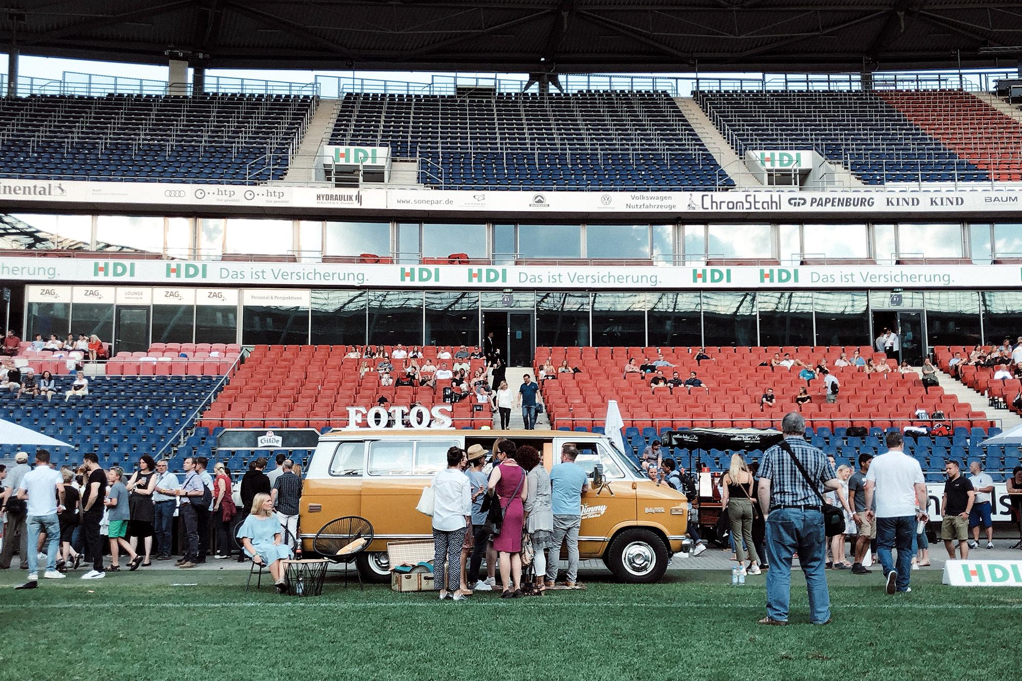 Fotobus-Jimmy-Fotobulli–Event-Fotobooth-V01.jpg