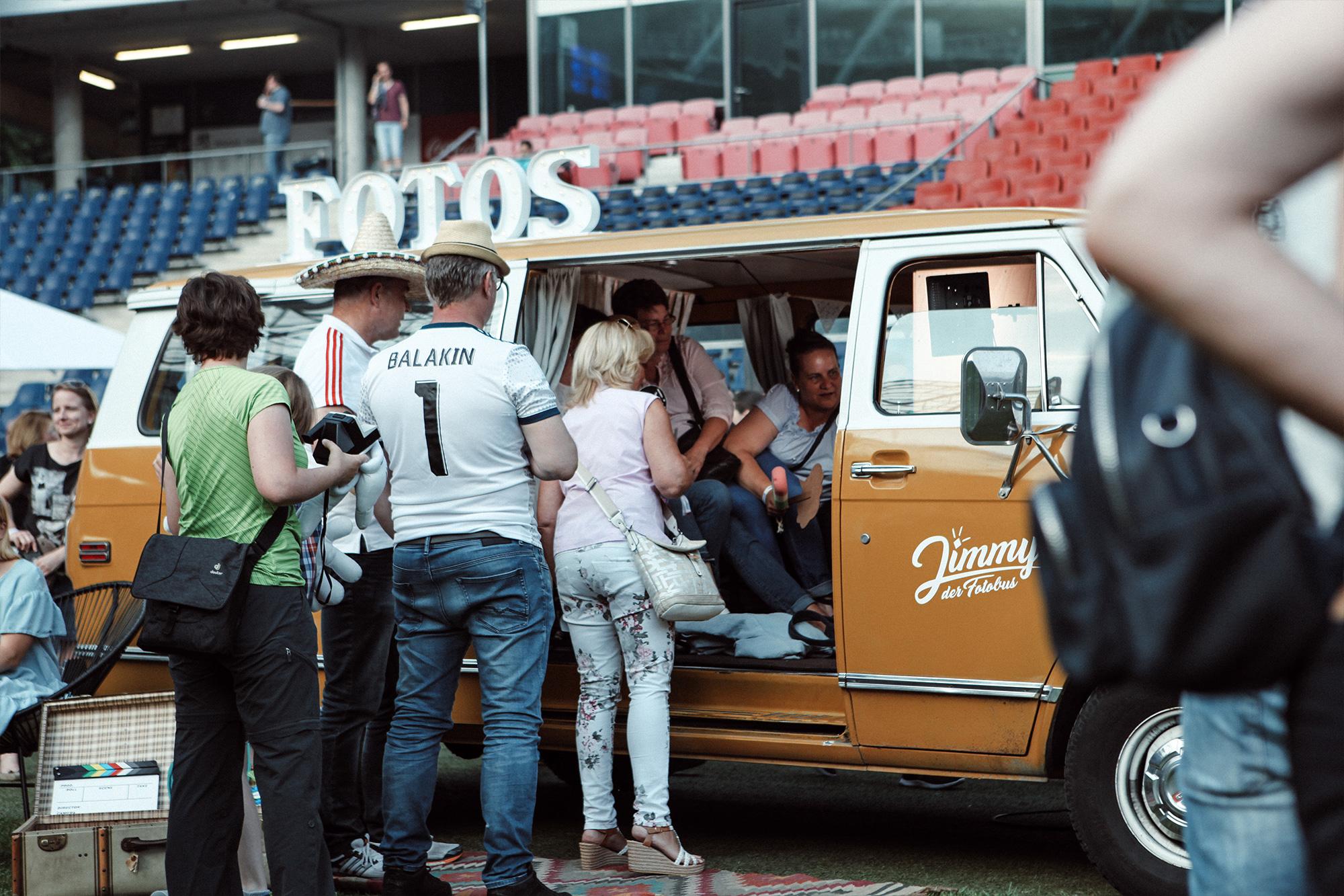 Fotobus-Jimmy-Fotobulli–Hochzeit-Fotobooth-Fotobox-V10.jpg