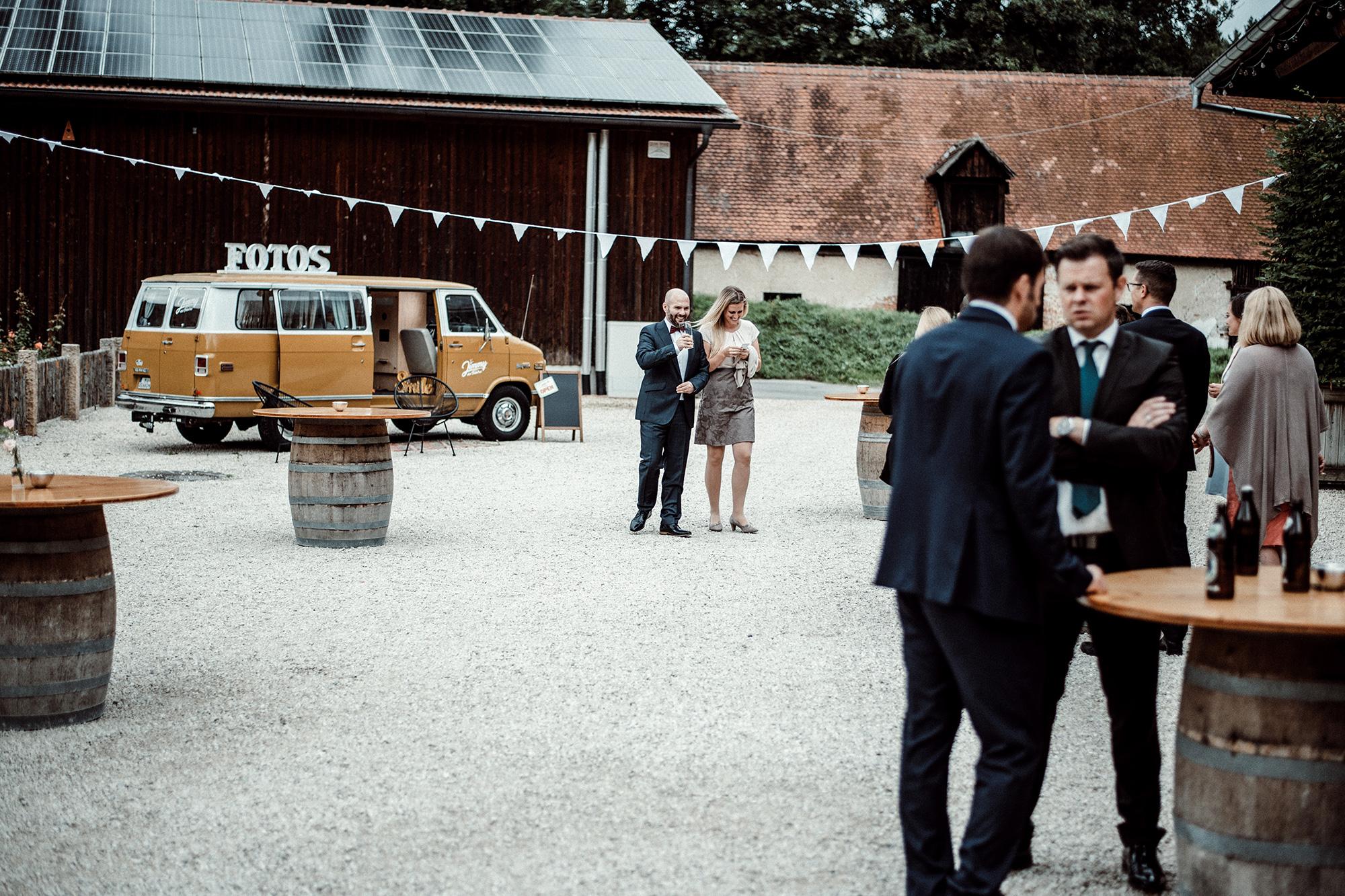 Fotobus-Jimmy-Fotobulli–Hochzeit-Fotobooth-Fotobox-V12.jpg