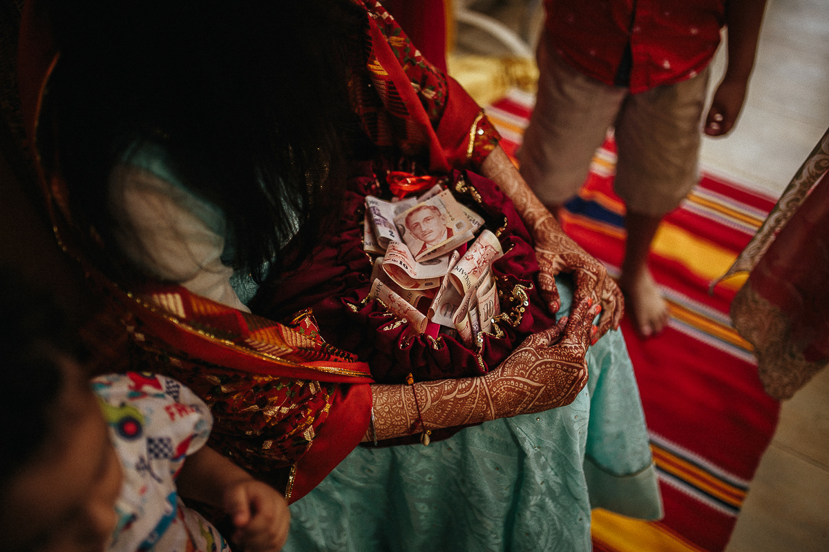 Punjabi wedding photographer (70 of 150).jpg