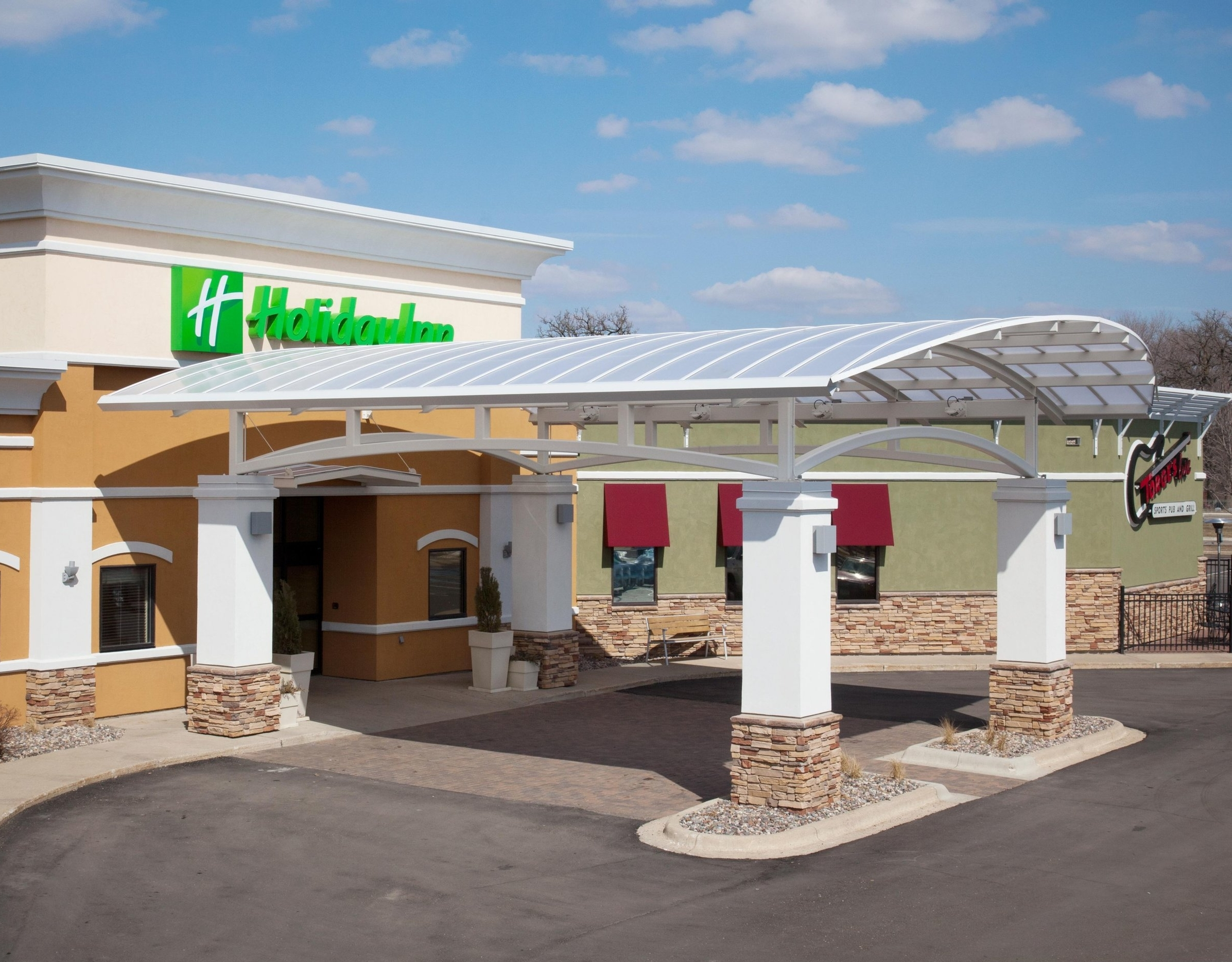 Holiday Inn Austin Conference Center   1701 4th Street NW  Austin, MN 55912  1-507-433-1000   Book Online
