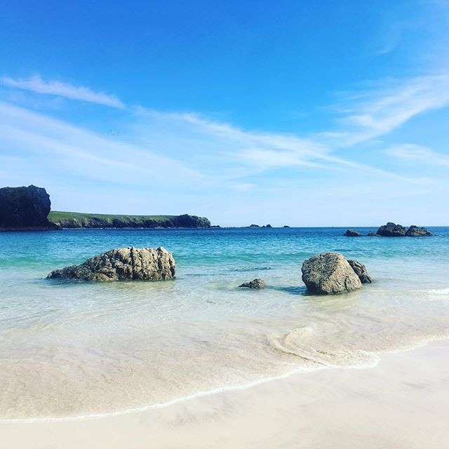 We love the North coast beaches but if you ever fancy a day trip put Kynance Cove on your list. Simply stunning 😍