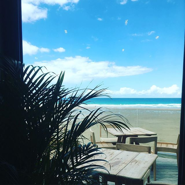 Have you checked out the new addition to @watergatebay? @watchfulmary is the perfect place to watch the sunset over a cocktail with tapas... 🥂☕️🌅 #sunsetsandcocktails #rockpoolholidays #watchfulmary #watergatebay #cornwall #dogfriendly