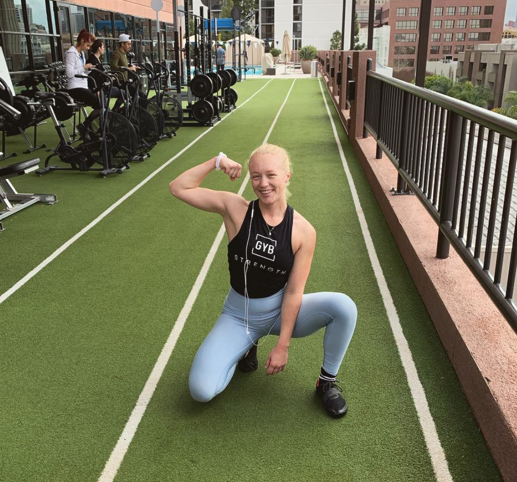 ROSIE LEEK - @fitandflexy_/Strong female. Strength Coach in Training. Yoga Teacher. Lifts all the heavy things and spirits. Expert content creator.