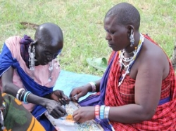 Donate Page Maasai Women Making Jewelry.jpg