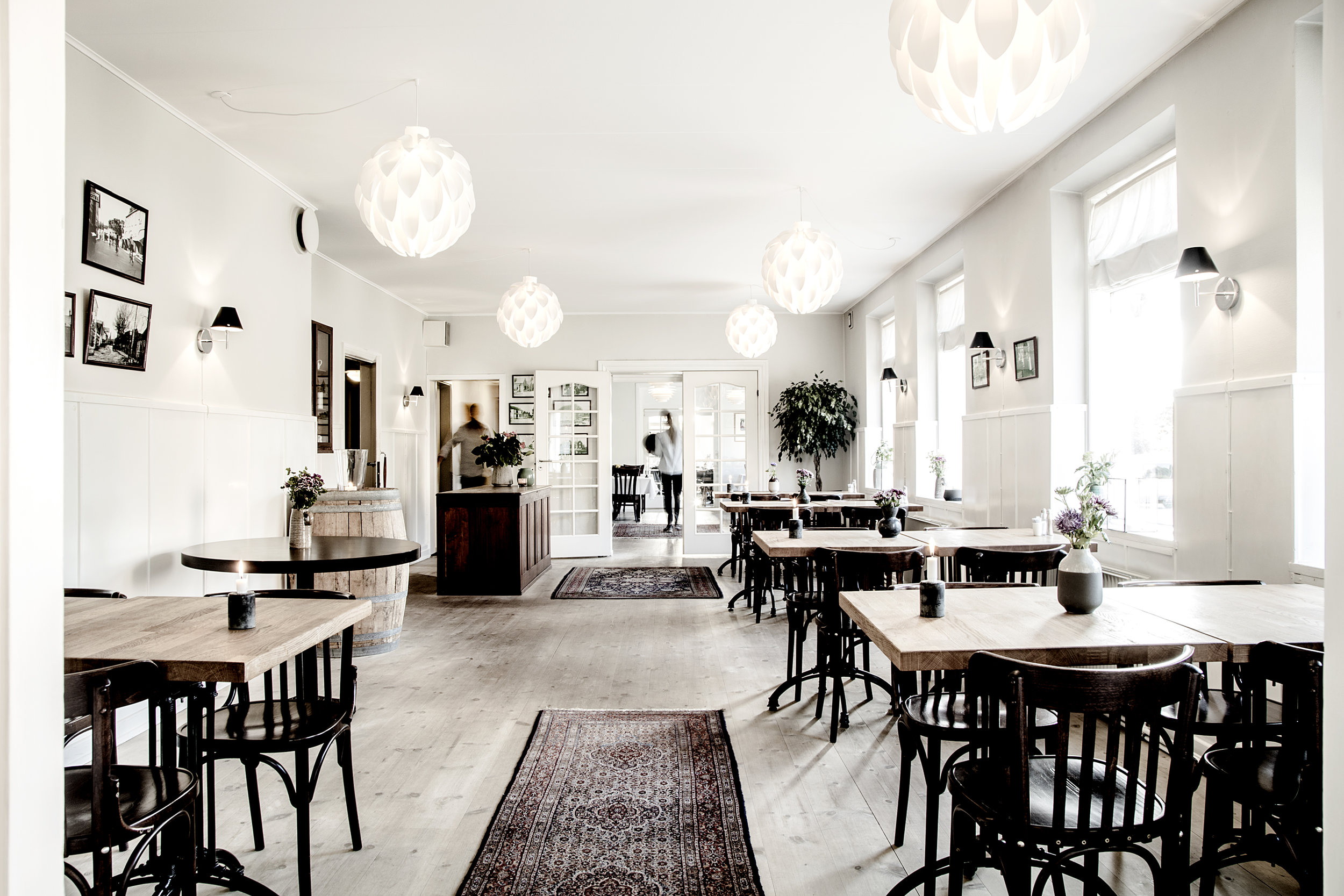 flinchs_rrestaurant_1.jpg