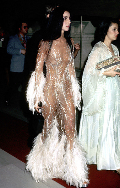 20nov1974-cher-outrageous-fashion-600.jpg