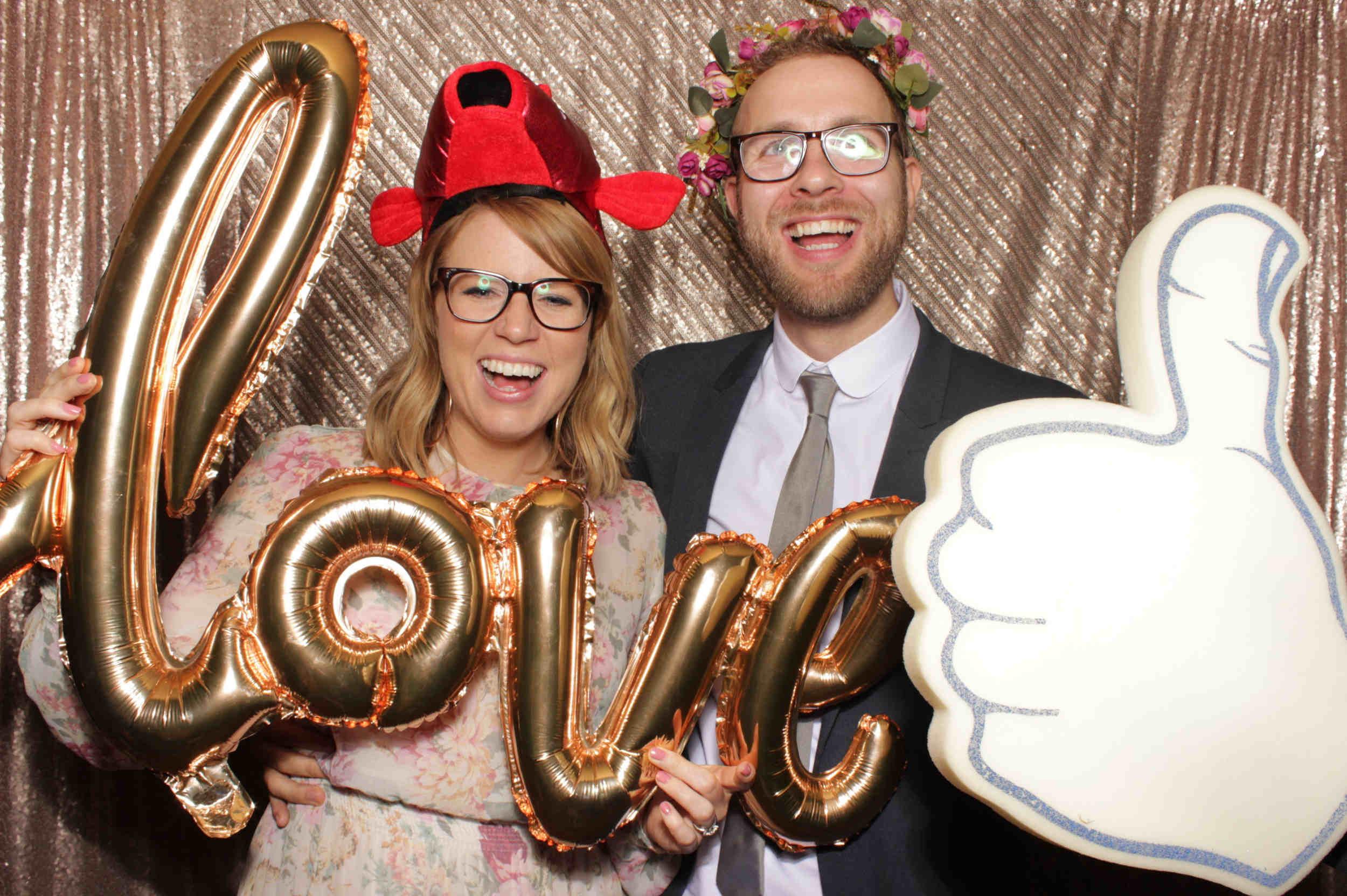 SnapStation blog - wedding Hattie and Justin4.jpg