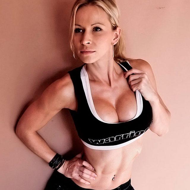 zuzka-light-breast-implants-4.jpg