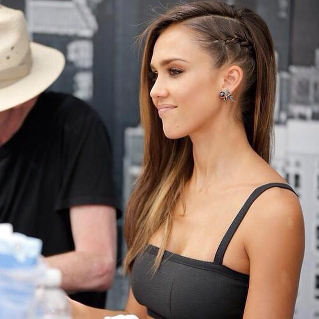 Jessica Alba Breast Implants