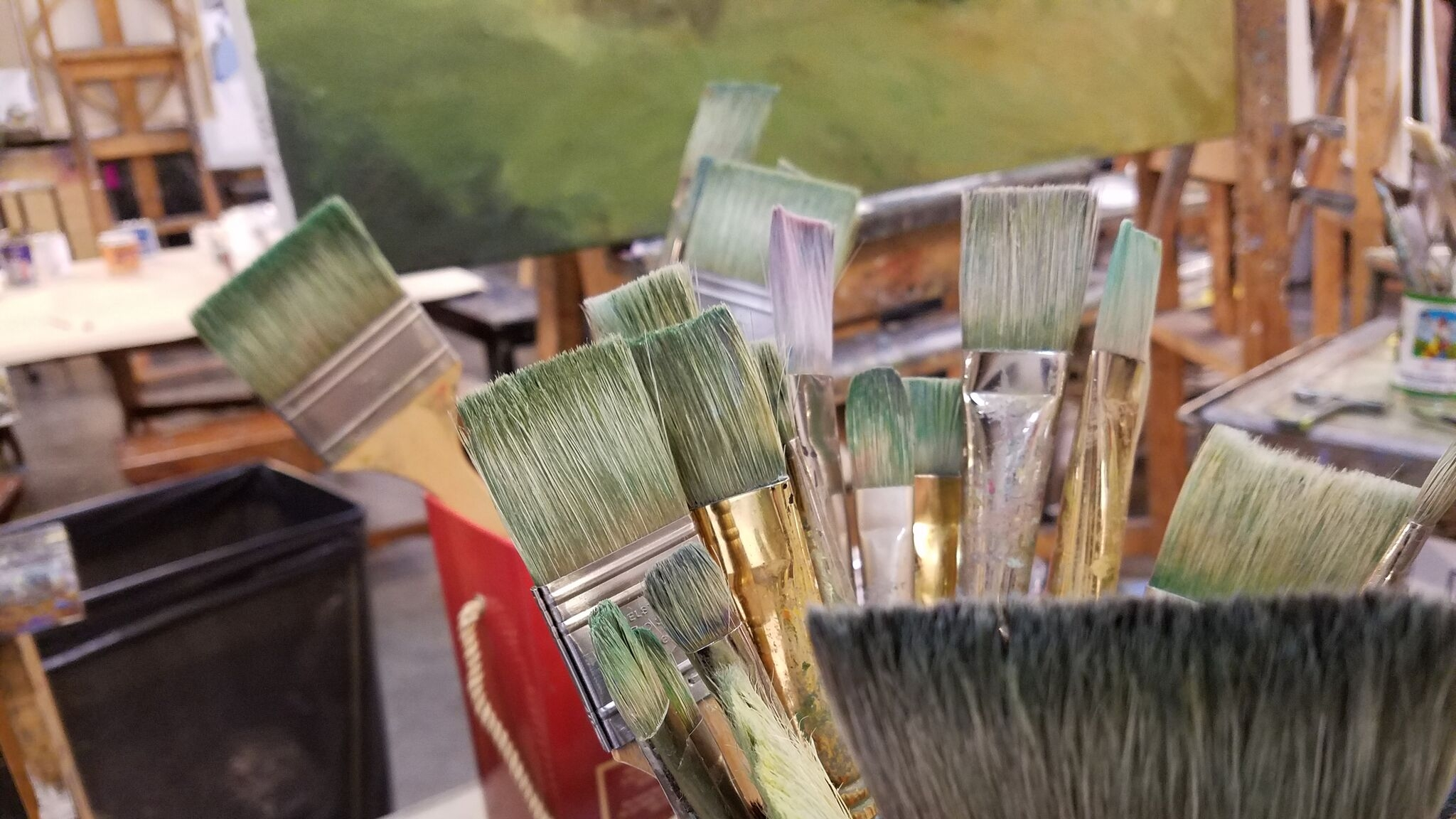 Braitman Studio teaches ongoing classes designed to help you master necessary skills in the visual arts and achieve your own personal success.  We emphasize individual attention in a positively oriented environment.