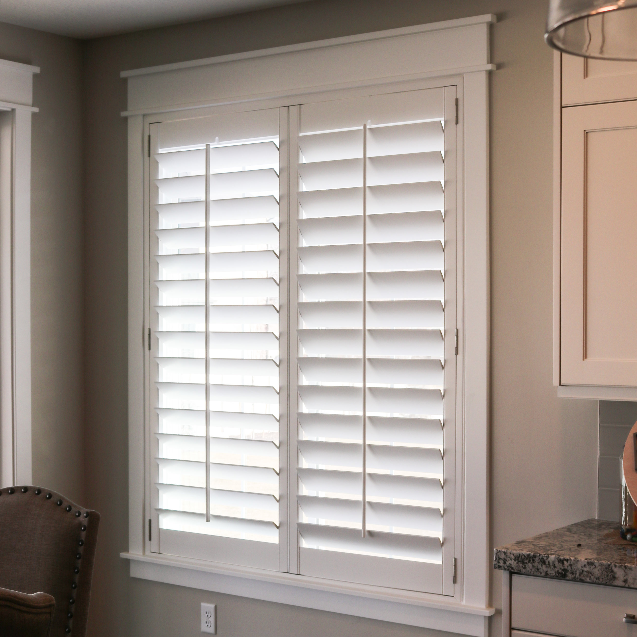 Modern cased window with small Z frame
