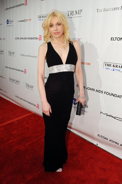 Courtney Love attends the 8th Annual Elton John AIDS Foundation, 2009