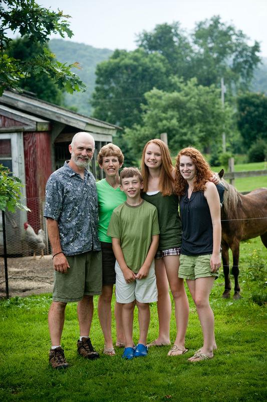 day_at_farm_portrait_0008.jpg