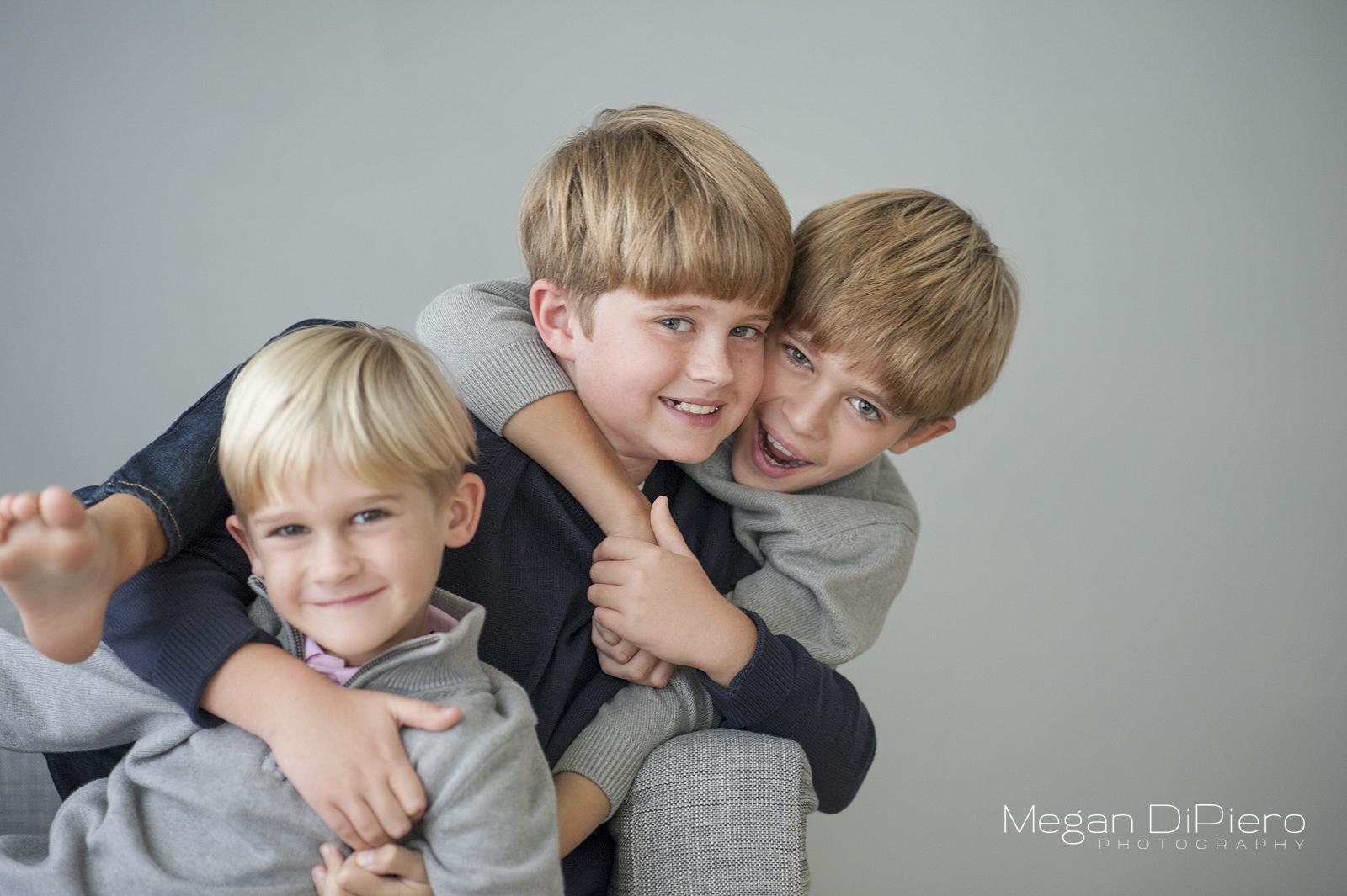 fun-brothers-pose-portrait-1.jpg