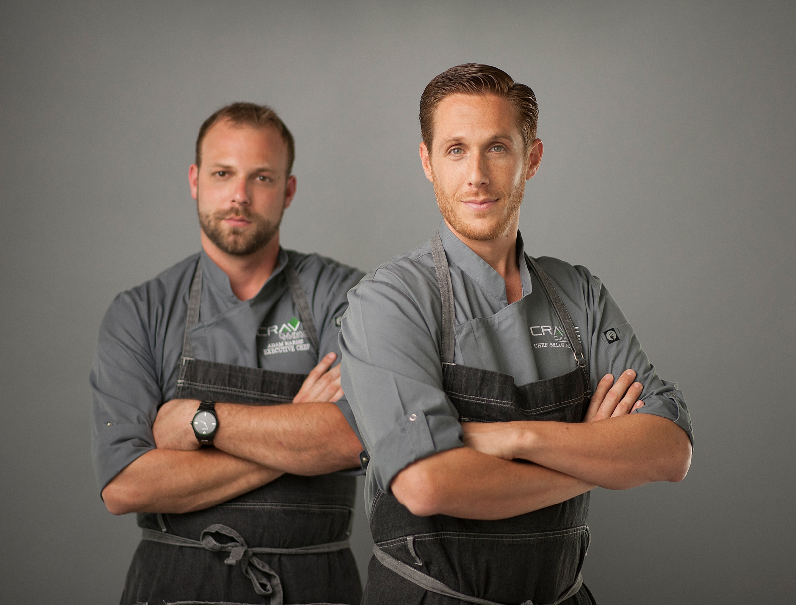 01-chef-team-two-men-attitude-pose-arms-crossed-dramatic-branding-naples-heashots.jpg