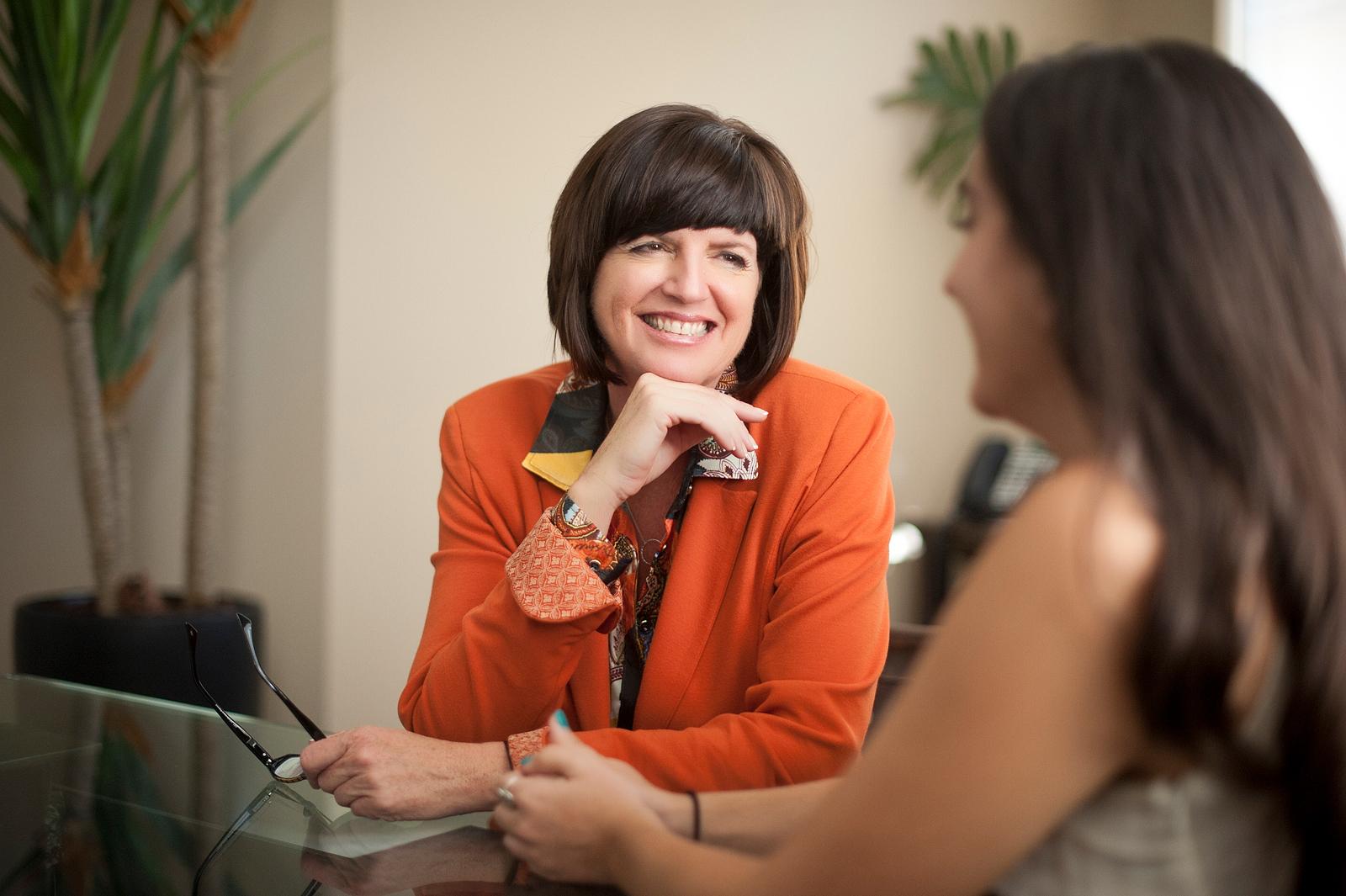 05-action-portrait-consultant-advisor-lifestyle-branding-photo-naples-fort-myers-marketing.jpg