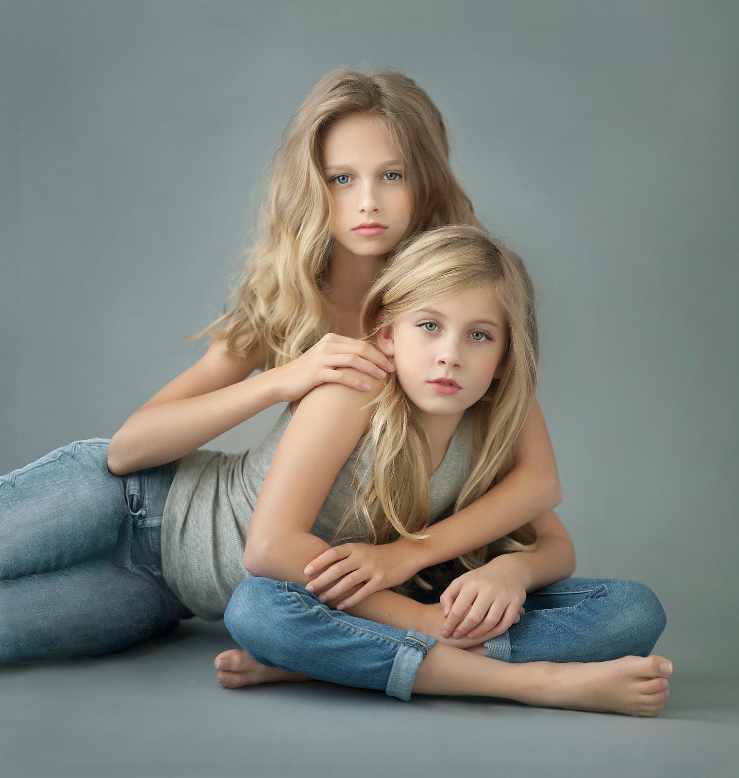 13-gorgeous-young-girls-model-pose-long-hair.jpg