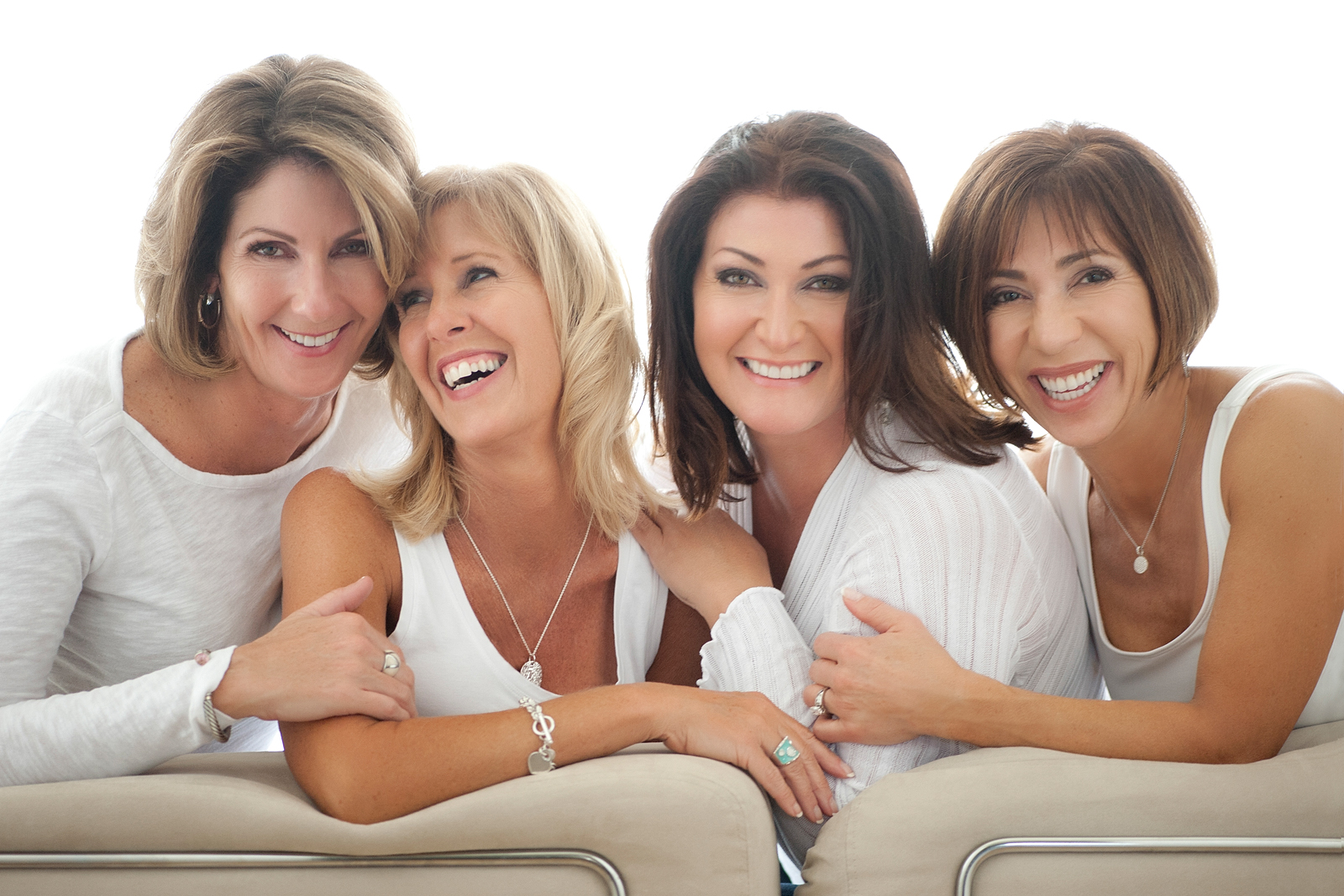 8-friends-laughing-smiling-group-portrait-backlit.jpg