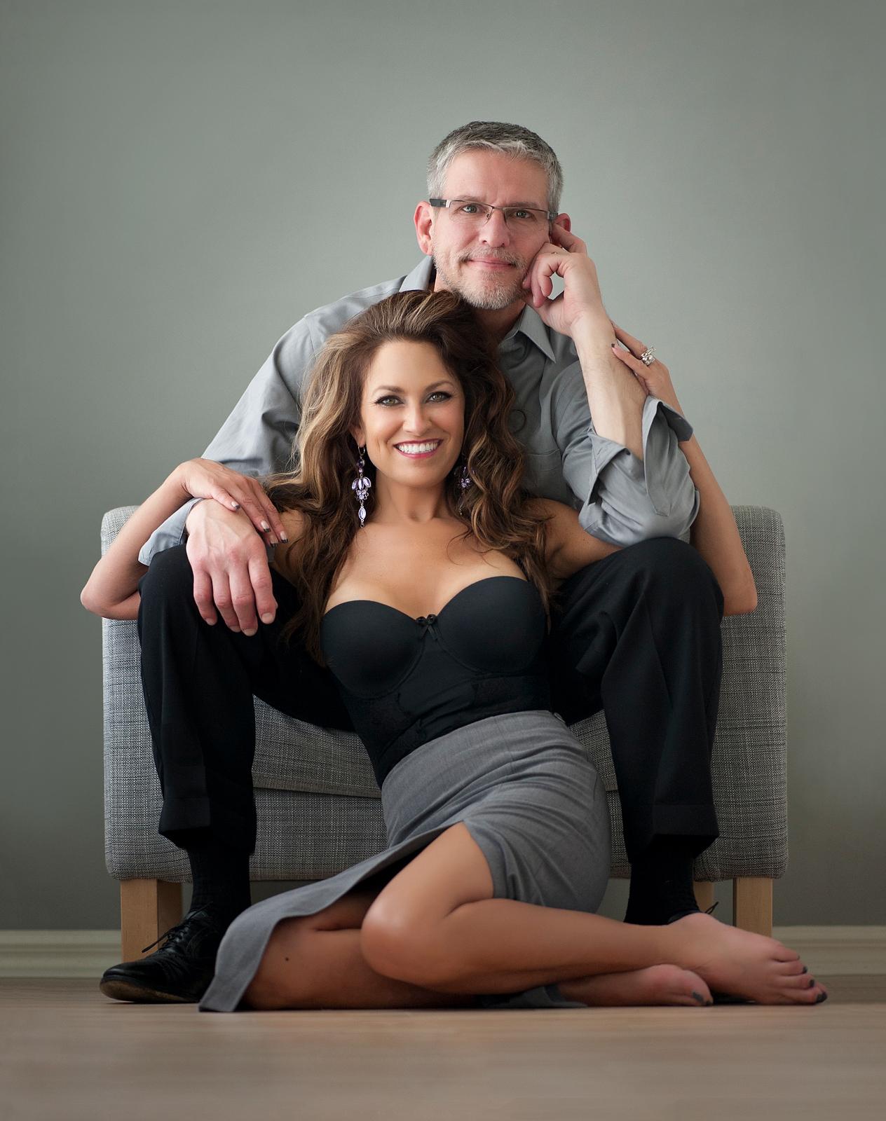 02-popular-couple-pose-seated-studio-wall-art.jpg