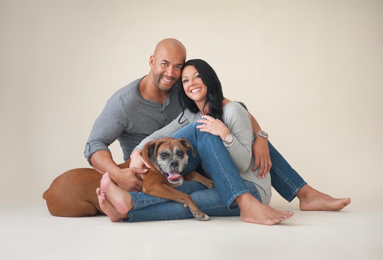 10-comfortable-portrait-couple-dog-earth-tones.jpg