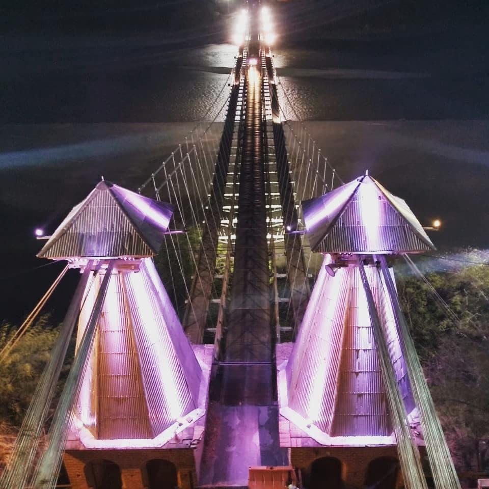 Puente noche.jpg